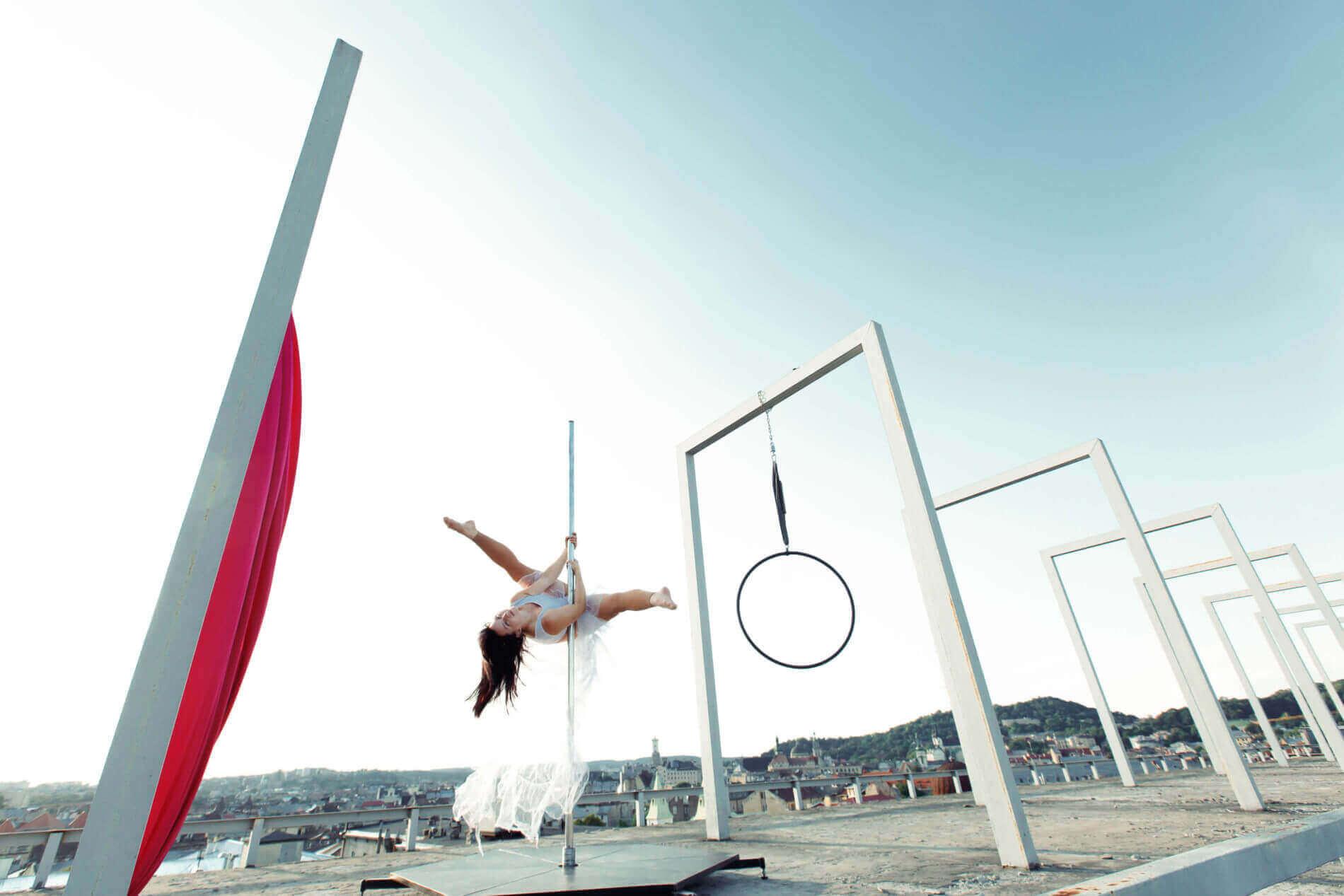 pole dance-sport-la revue de kathleen-blog-lifestyle-voyage-paris
